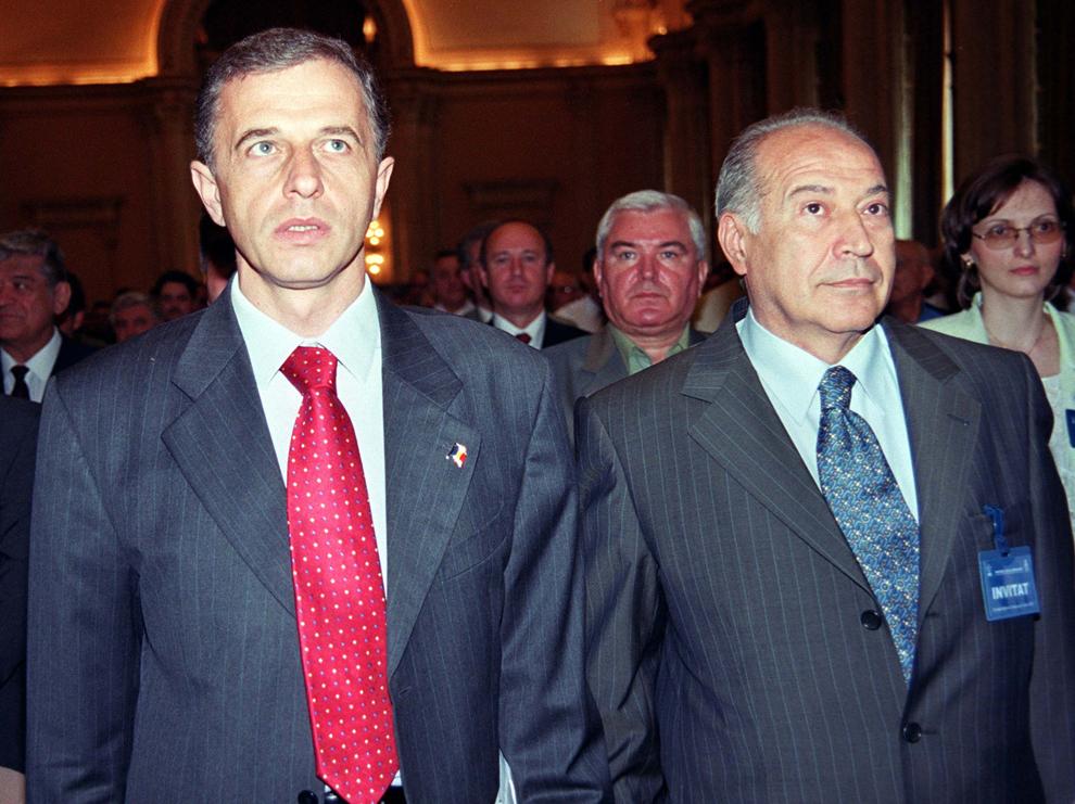 Consiliul National al PSD. In imagine, Mircea Geoana si Dan Voiculescu