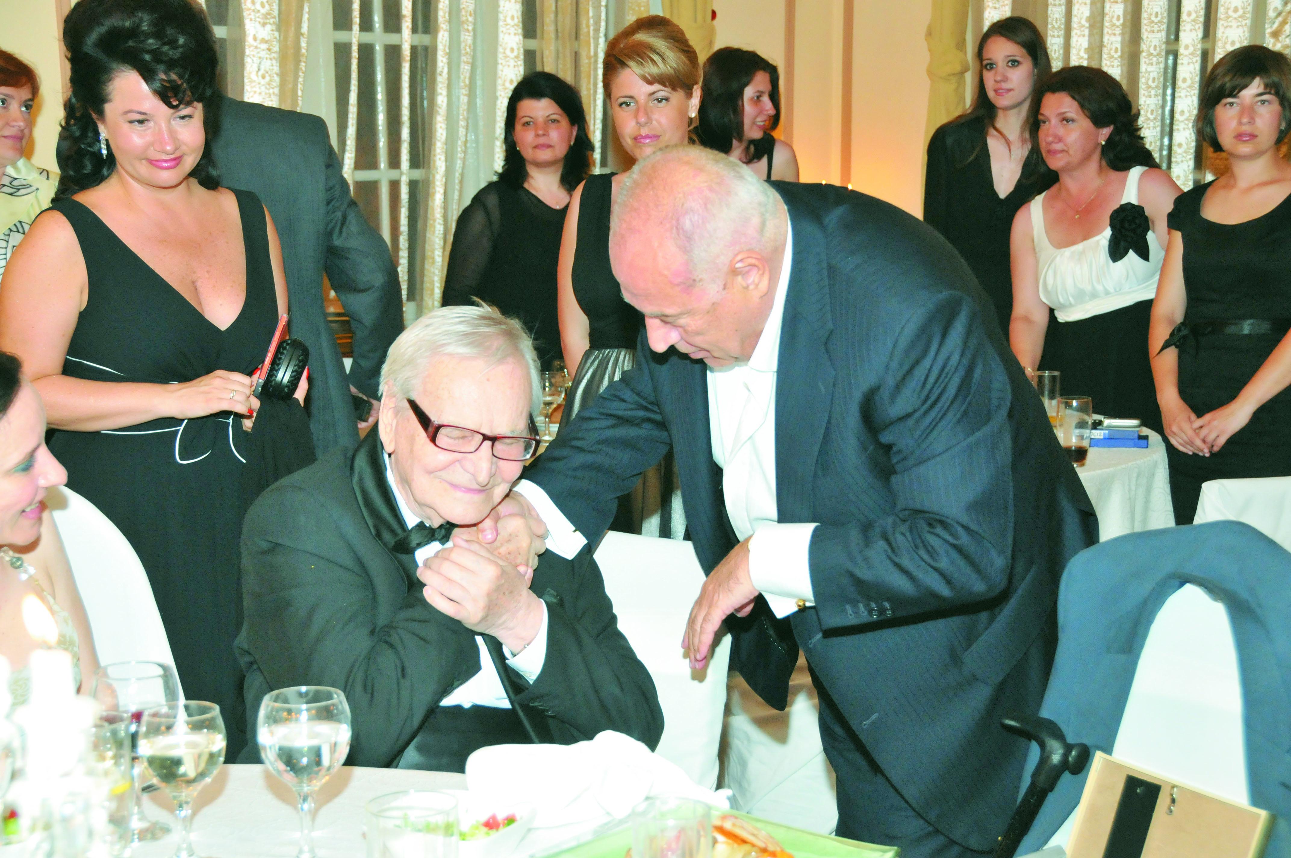 2010-cu-maestrul-beligan-la-premiile-de-excelenta-ale-fundatiei-pentru-dezvoltarea-romaniei